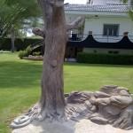 Roca artificial imitación árbol, con ducha integrada