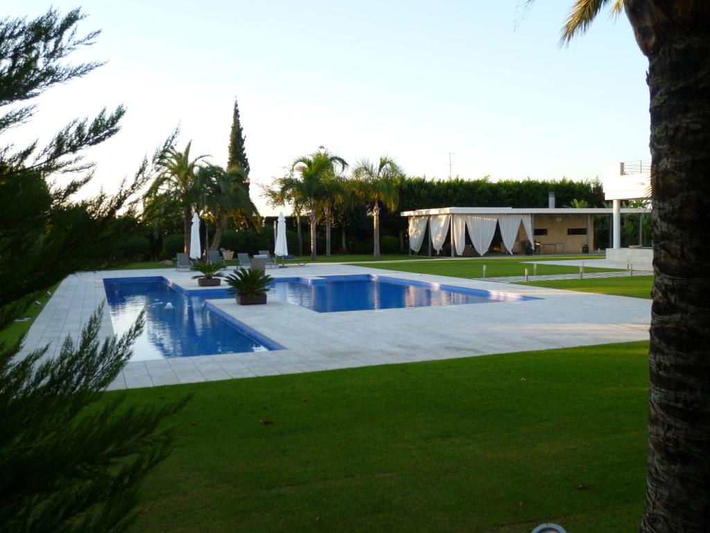 Disaher edificaci n coronaci n piscina for Coronacion de piscinas